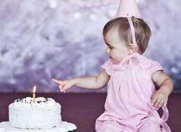 Prezenty na pierwsze urodziny dla dziewczynki i chłopca