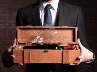 Jak zapakować wino na ślub?