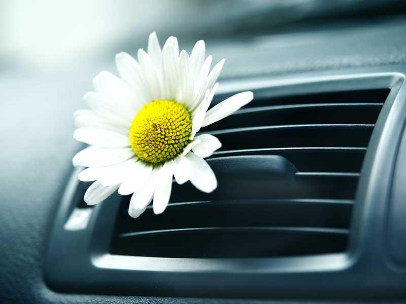 Jak zadbać o klimatyzację w samochodzie – pomyśl, czy możesz w ten sposób obdarować swoich bliskich