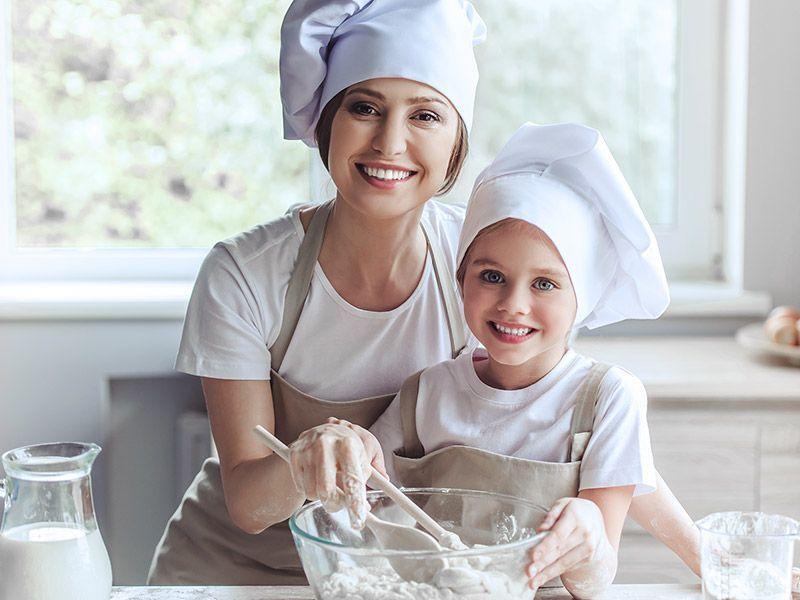 Rodzinna nauka gotowania – pomysł na prezent dla całej rodziny