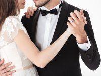 Pierwszy taniec w prezencie. Prezenty ślubne od rodziców – podaruj narzeczonym bon na kurs tańca towarzyskiego dla dwojga