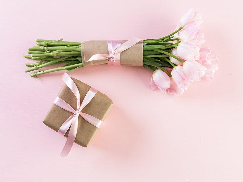 prezent na ósmą rocznicę ślubu