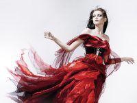 Bajkowy prezent dla mamy – sukienka marzeń szyta na miarę