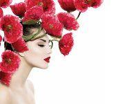 Voucher na wizytę u stylisty fryzur w prezencie ucieszy każdą kobietę