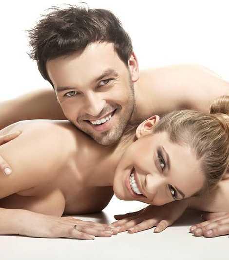 Voucher na masaż relaksacyjny dla zakochanych z lampką wina musującego przy płonącym kominku