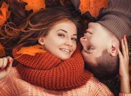 Pomysły na  jesienny i romantyczny prezent dla dwojga